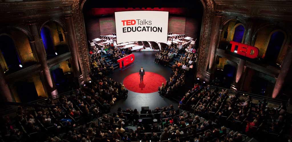 Las críticas a TED y las pretensiones de quien se sienta a verlas