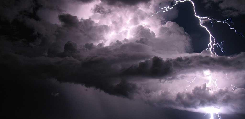 La guerra de las nubes: AWS, LinkedIn y Facebook a por la empresa