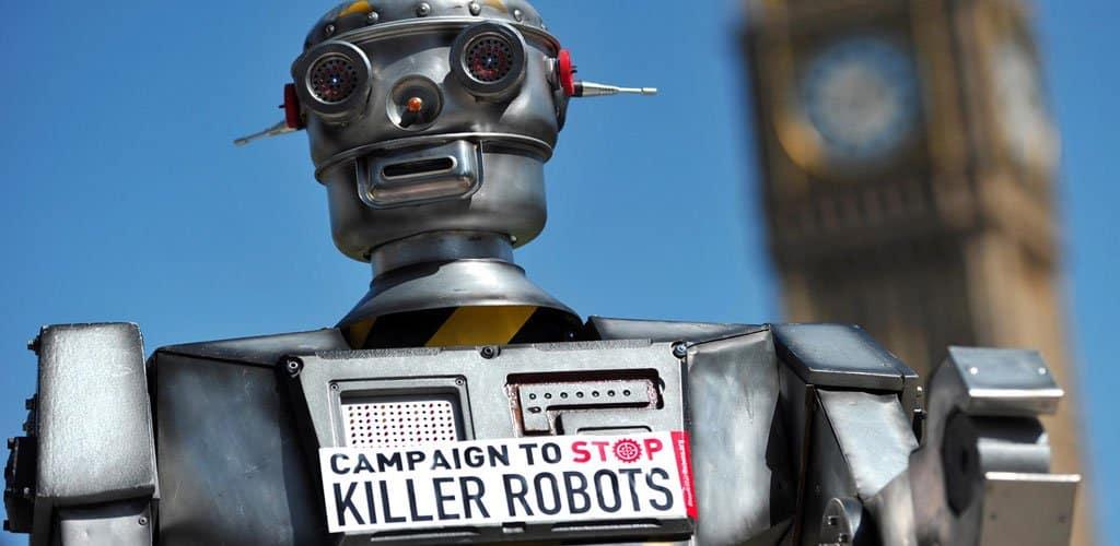 Guerra autónoma: ¿es mejor que quien empuñe el arma sea el humano?
