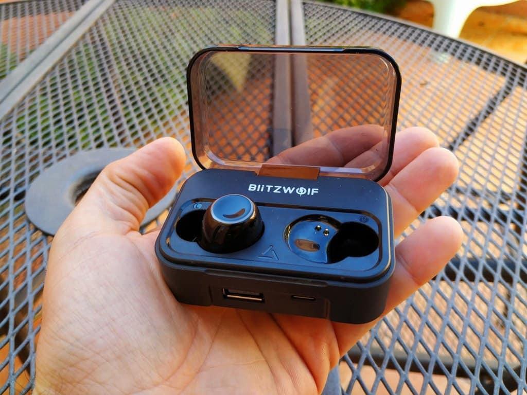 auriculares BlitzWolf tamaño