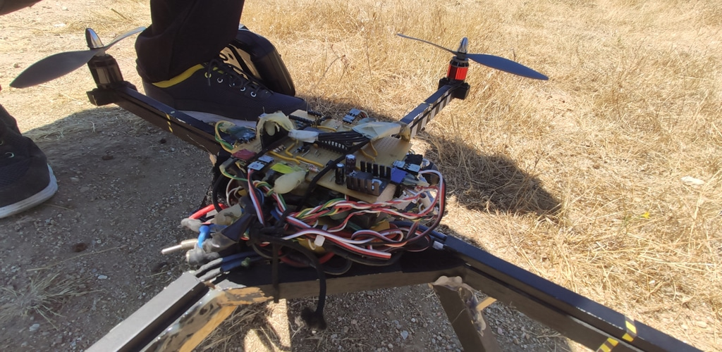 atropos dron hecho a mano