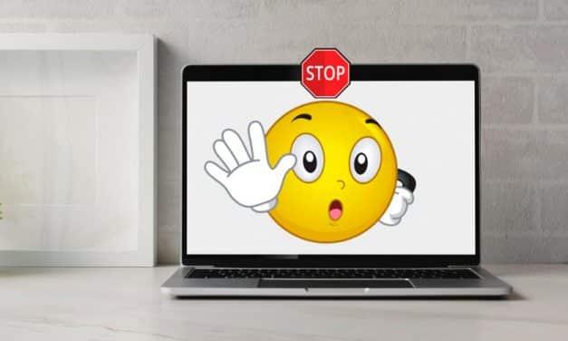 ¿Razones de diseño para no tapar la webcam?