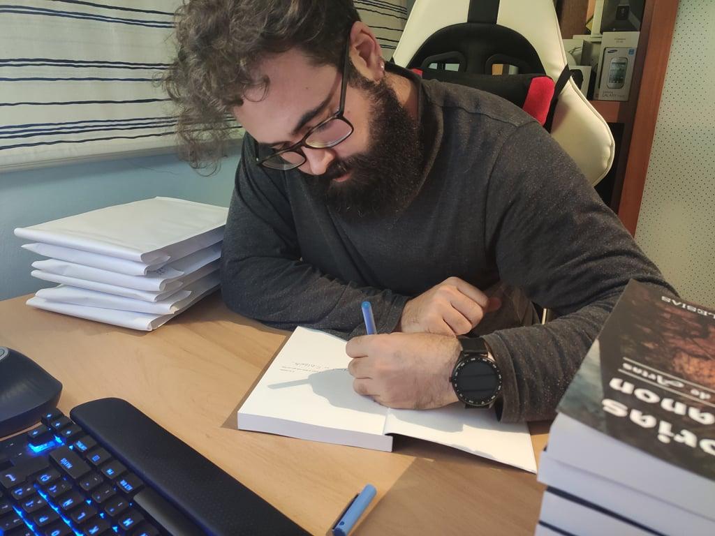 Firmando libros Memorias de Arganon